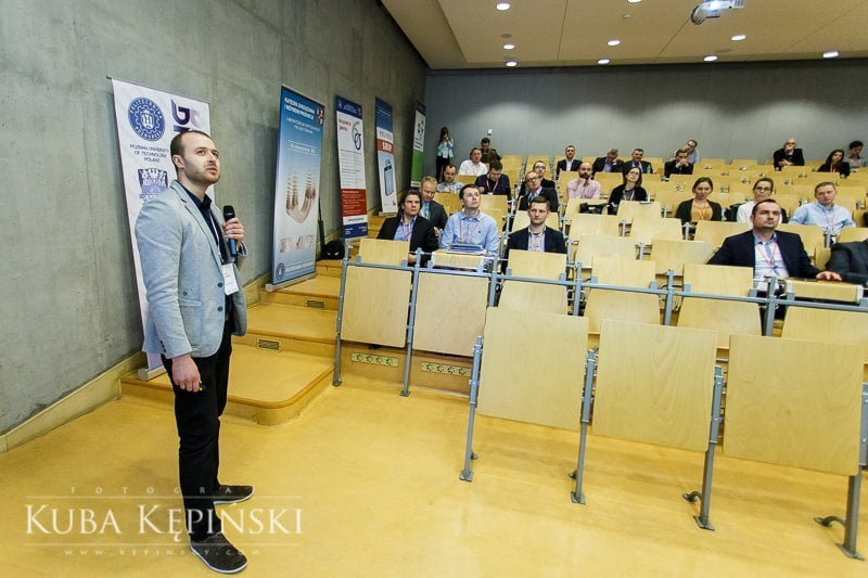 Konferencja firmowa - Kuba Kępiński Fotograf Poznań