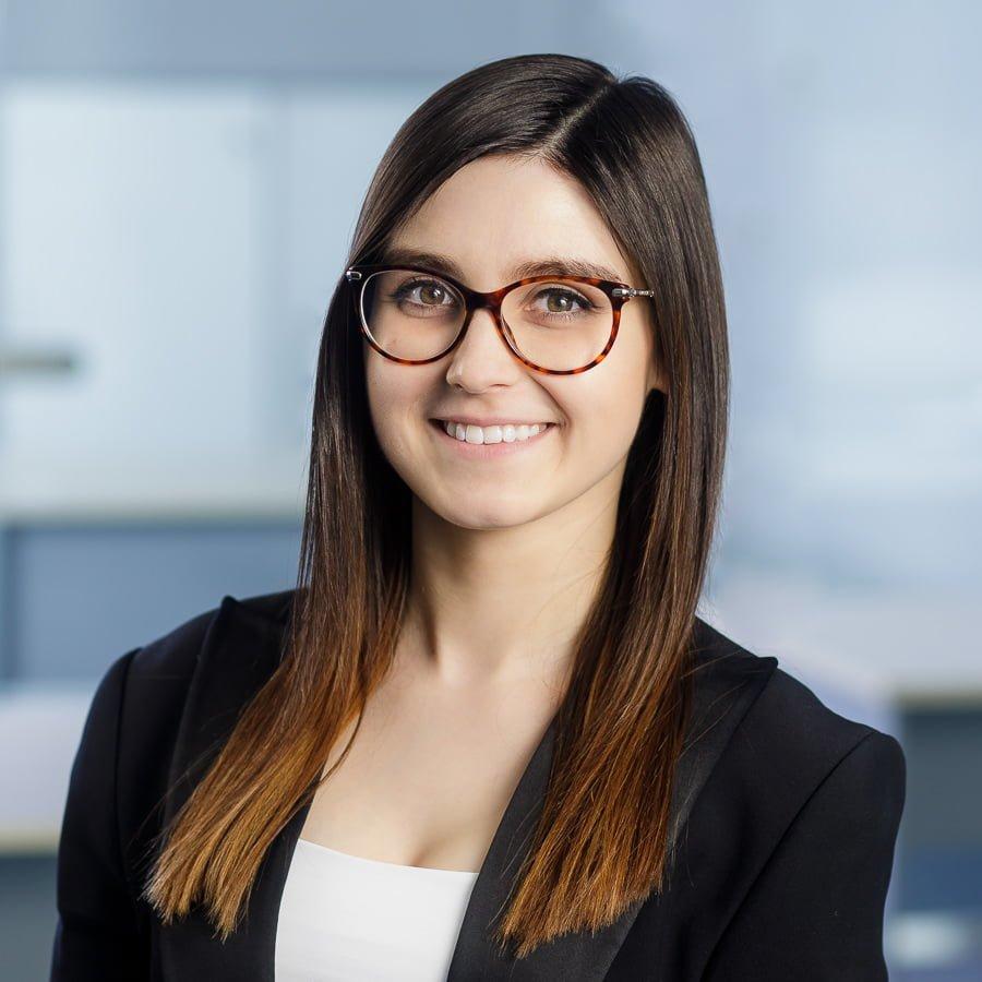 profesjonalne zdjęcie firmowe poznań jak się przygotować zdjęcie do cv portret biznesowy