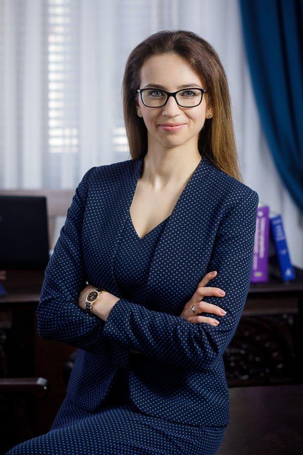 profesjonalna sesja biznesowa wizerunkowa dla prawnika kancelaria linkedin na stronę www fotograf poznań